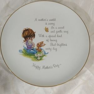 Hollie Hobby Mother's Day Collectible Plate